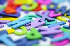 Alphabe inglese di legno variopinto, concetto di istruzione Immagini Stock Libere da Diritti