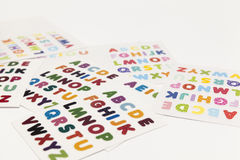 Alphabet bezeichnet Kreidevorstand mit Buchstaben Lizenzfreie Stockbilder
