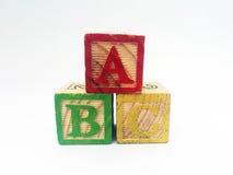 Alphabet blockiert die Rechtschreibung von ABC Stockbilder