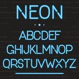 Alphabet de lampe au néon Lettres anglaises rougeoyantes pour des enseignes, film, théâtre, casino, faisant de la publicité Photos libres de droits