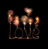 Alphabet de lumière de feu d'artifice de cierge magique d'amour avec des feux d'artifice Photos stock