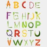 Alphabet de nourriture fait de légumes et fruits Images stock