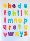 Alphabet in den farbigen Kleinzeichen. Stockfotografie