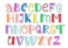 Alphabet latin coloré décoratif avec des remous et ornement dans le style coupé de papier sur le blanc illustration stock
