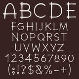 Alphabet, lettres, nombres et signes peints sur un fond foncé Objets d'isolement illustration libre de droits