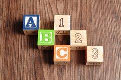 Alphabeth bloquea ABC 123 Fotos de archivo