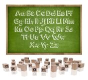 Alphabetkonzept auf Tafel mit Holzrahmen Stockfoto