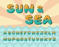 Alphabetseehorizont, Weinlesedesign Sun-Strahlen und aquamarine Farbe der Meereswellen, Retrostil Gussvektortypographie lizenzfreie abbildung