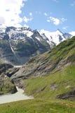 Alpi austriache con Grossglockner nei precedenti Immagine Stock