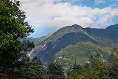 Alpi austriache sotto i cieli blu Fotografie Stock Libere da Diritti