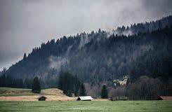 Alpi bavaresi durante il giorno nuvoloso Fotografia Stock