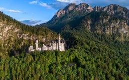 Alpi bavaresi Germania del castello del Neuschwanstein Immagini Stock Libere da Diritti
