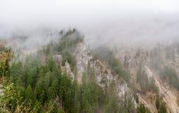 Alpi bavaresi in una nebbia, Germania Immagine Stock Libera da Diritti