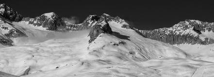 Alpi in bianco e nero fotografia stock
