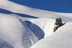 Alpi, catena montuosa coperta nella neve, inverno Immagini Stock Libere da Diritti