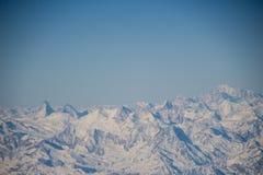 Alpi da un aeroplano Immagini Stock