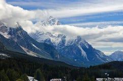 Alpi del delle del innevate di Le cime Fotografie Stock Libere da Diritti