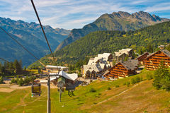 Alpi del francese della cabina di funivia Fotografie Stock