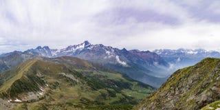 Alpi del paesaggio della montagna Fotografia Stock Libera da Diritti