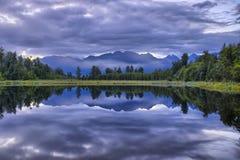 Alpi del sud riflesse in lago Kaniere Fotografia Stock Libera da Diritti