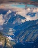 Alpi dell'Italia della foschia di Auronzo Di Cadore di mattina, vista da Tre Fotografie Stock Libere da Diritti