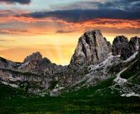 Alpi dell'Italia nel tramonto Fotografia Stock Libera da Diritti