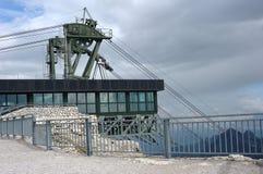 Alpi della dolomia, cabina di funivia Immagini Stock