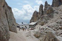 Alpi della dolomia, capanna alpina di Toni Demetz Fotografie Stock Libere da Diritti