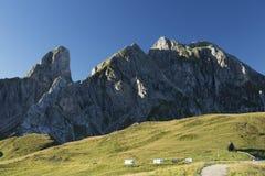 Alpi della dolomia durante l'alba in Passo Giau Fotografia Stock Libera da Diritti