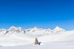 Alpi della pennina sul confine dello Italiano-svizzero Fotografia Stock