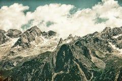 Alpi delle dolomia - i picchi si avvicinano alla cortina, Italia HDR Immagine Stock Libera da Diritti
