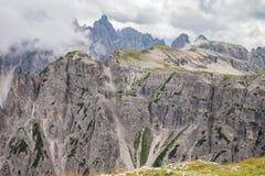 Alpi delle dolomia in Italia Bella vista delle montagne Immagini Stock Libere da Diritti