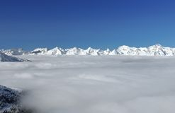 Alpi di Bernese e coperta della nube Fotografie Stock Libere da Diritti