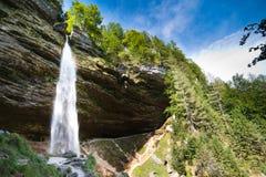 Cascata di Pericnik nelle alpi di Julian in Slovenia Fotografia Stock Libera da Diritti