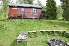 Alpi di Lyngen, Norvegia, cabina nel legno Immagine Stock Libera da Diritti