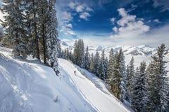 Alpi di Tyrolian in Austria dalla stazione sciistica di Kitzbuehel Fotografie Stock Libere da Diritti