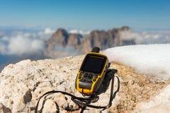 Alpi disponibile delle dolomia del navigatore di GPS Immagine Stock