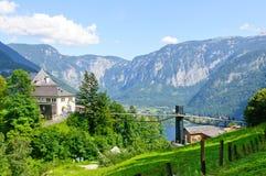 Alpi e il Salzbergwerk in Hallstatt, Austria Immagini Stock Libere da Diritti