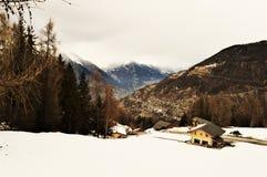 Alpi e La svizzere Tzoumaz, paesaggio nell'inverno Immagine Stock