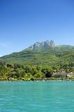 Alpi e lago annecy Fotografia Stock