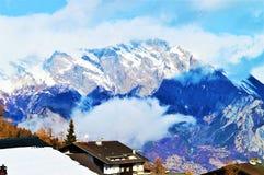 Alpi e nuvole in Svizzera Immagini Stock Libere da Diritti