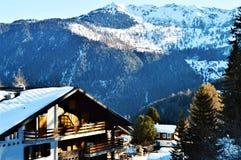 Alpi e tettoia svizzere Fotografia Stock Libera da Diritti