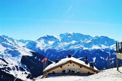 Alpi e tettoia svizzere Paesaggio della montagna Fotografia Stock
