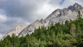 Alpi emergenti di Dolomiti in Italia Immagini Stock