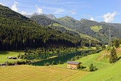 Alpi europee intorno al villaggio Gerlos in valle Austria di Zillertal Fotografie Stock