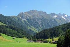 Alpi europee intorno al villaggio Gerlos in valle Austria di Zillertal Fotografia Stock