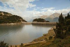 Alpi francesi, montagne di Vanoise, lago, diga Fotografie Stock