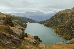 Alpi francesi, montagne di Vanoise, lago, diga Immagine Stock