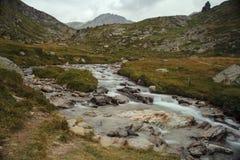 Alpi francesi, montagne di Vanoise, lago, diga Immagini Stock Libere da Diritti
