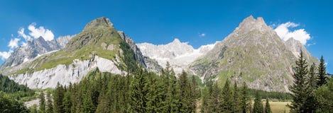Alpi, Francia (da Ferret) - panorama Immagine Stock